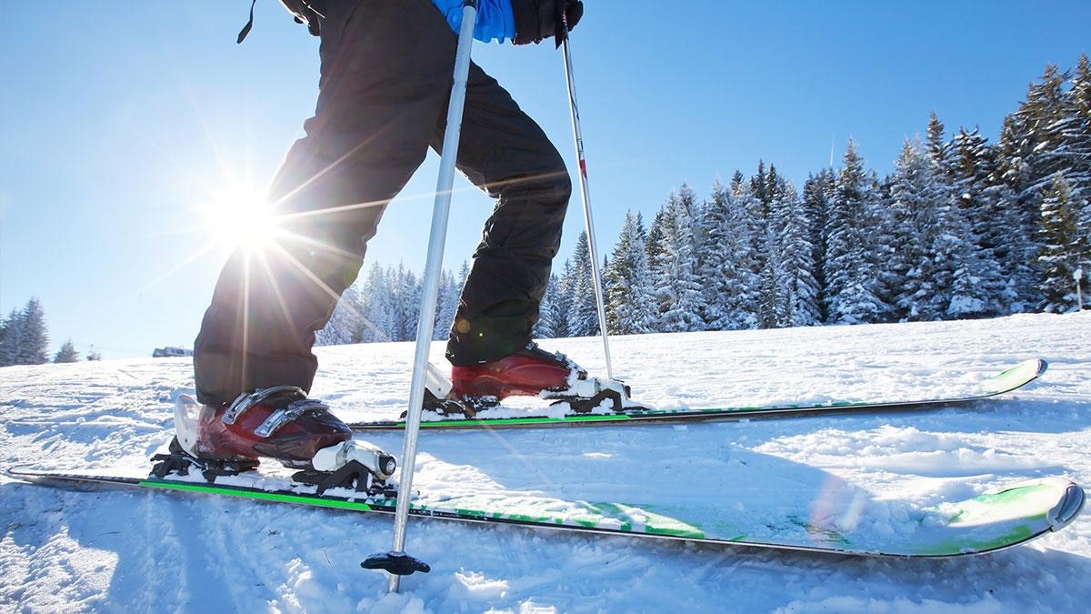 home-slider-skiing